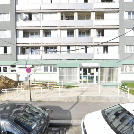 P.M.I. Protection Maternelle et Infantile - Assistante maternelle - Montreuil