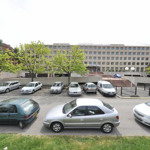 Université d'Évry - Enseignement supérieur public - Évry