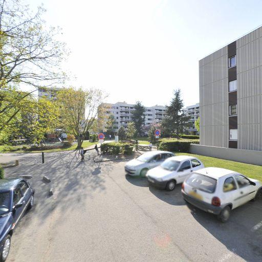 Square Jean-Paul Sartre - Parc et zone de jeu - Évry-Courcouronnes