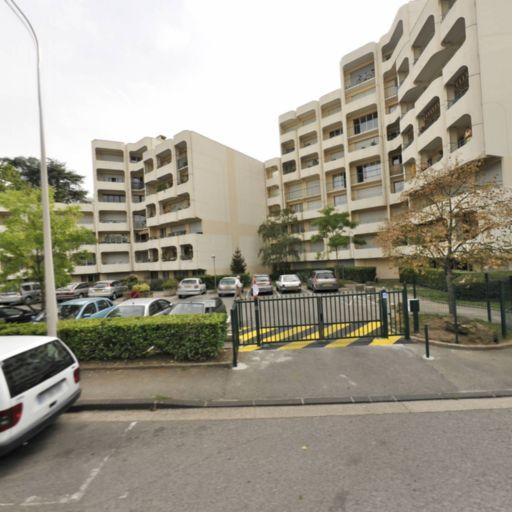 Barraud Charlyne - Coiffeur à domicile - Lyon