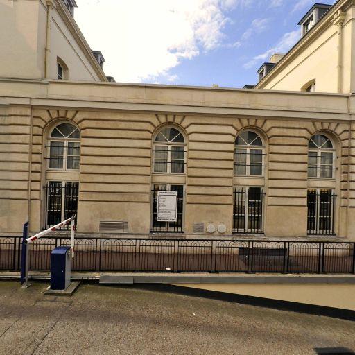 Issy-les-Moulineaux - Hôtel de ville - Indigo - Parking réservable en ligne - Issy-les-Moulineaux