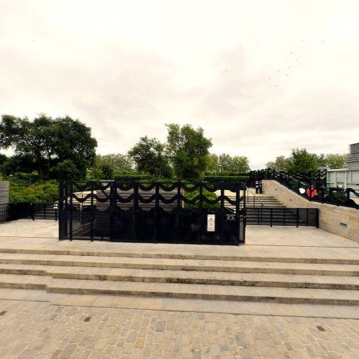 Jardin De La Charpenterie - Parc et zone de jeu - Orléans