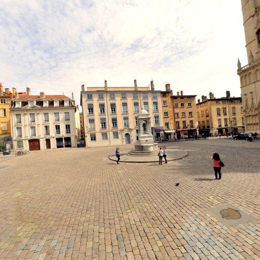Aire de covoiturage Place Saint-Jean - Aire de covoiturage - Lyon