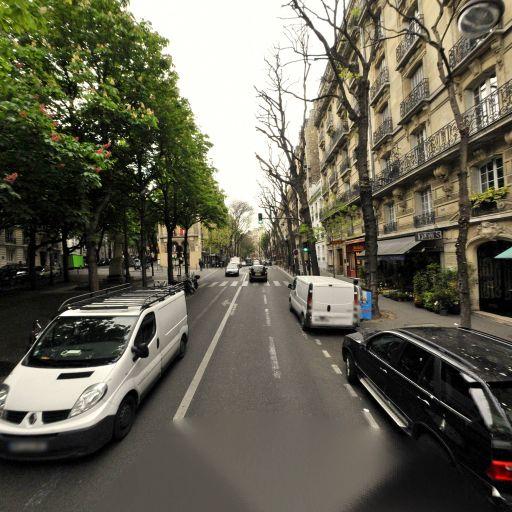 Aline Racinet - Infirmier - Paris