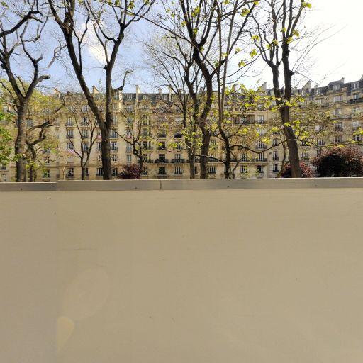 Square Maurice-Kriegel-Valrimont - Parc et zone de jeu - Paris
