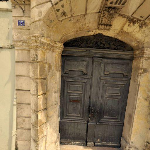 Hôtel L'Estang-Parade - Attraction touristique - Arles