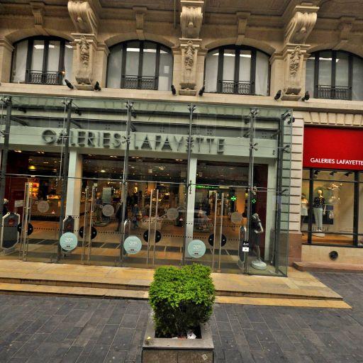 Corner De Fursac - Galeries Lafayette Bordeaux - Vêtements homme - Bordeaux