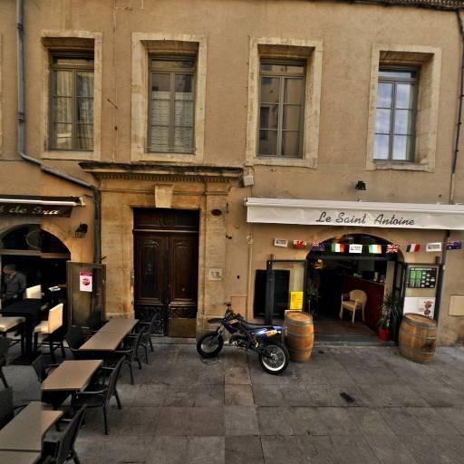 A La Tchatche - Bar à thèmes - Nîmes