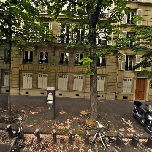 Station Vélib' Pereire - Place de Wagram - Vélos en libre-service - Paris