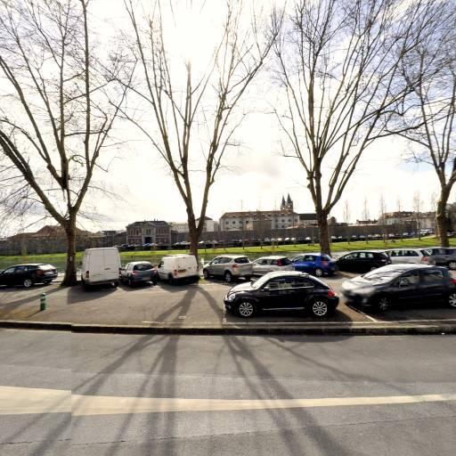 Parking Monuments aux Morts - Parking - Melun