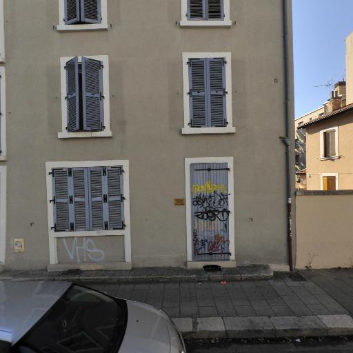 Clic clac parquet - Pose, entretien et vitrification de parquets - Grenoble