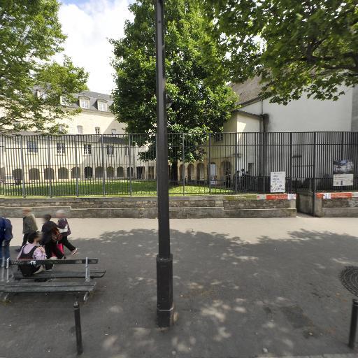 Ector - Paris Gare de l'Est - Voiturier - Paris