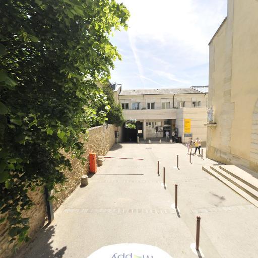 Université Inter-Ages - Enseignement supérieur public - Versailles
