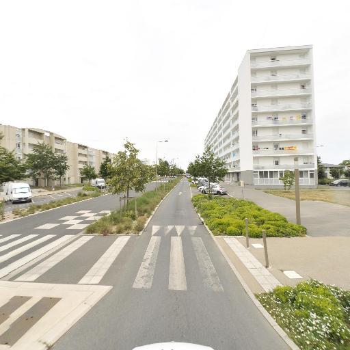 Pharmacie Du Clou Bouchet - Pharmacie - Niort