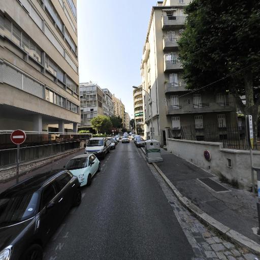 Chloé Souliez - Soins hors d'un cadre réglementé - Marseille
