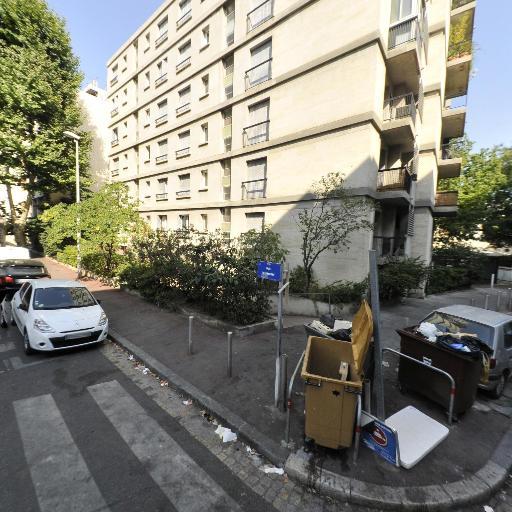 Davin Gilles - Soins hors d'un cadre réglementé - Marseille