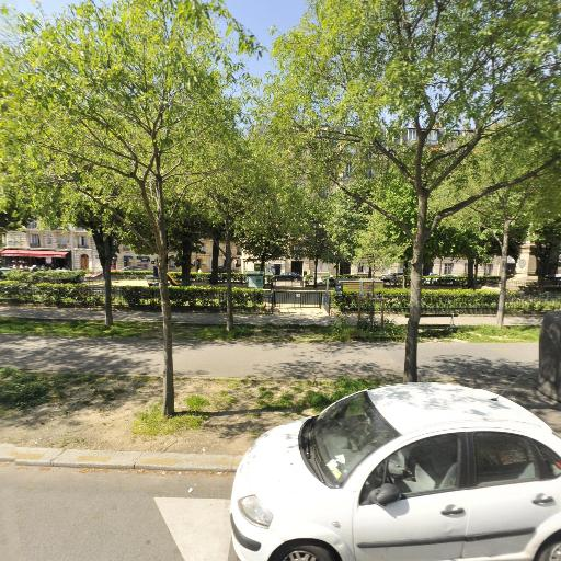 Square Garibaldi - Parc et zone de jeu - Paris