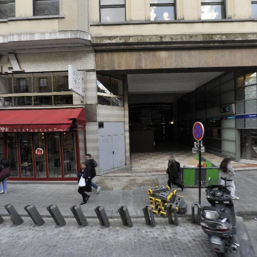 Station Vélib' Marignan - Champs-Elysées - Vélos en libre-service - Paris