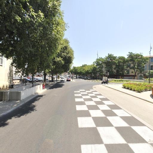 Porte Auguste - Parking public - Nîmes
