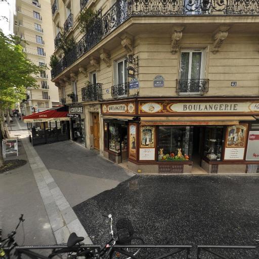 Riad Aferia Arago - Coiffeur - Paris