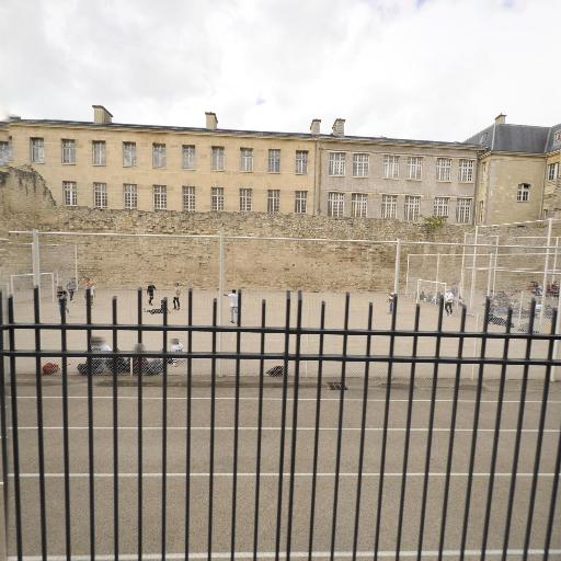 Jardins Saint-Paul - Parc et zone de jeu - Paris