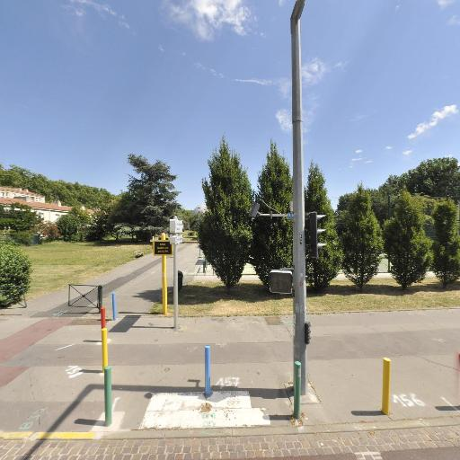 Ecole élémentaire publique Sauzelong - École primaire publique - Toulouse